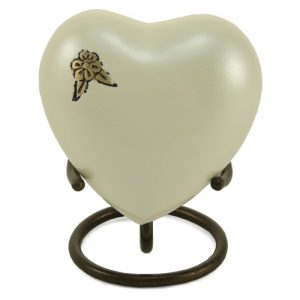 4612H Artisan Pearl Heart Keepsake